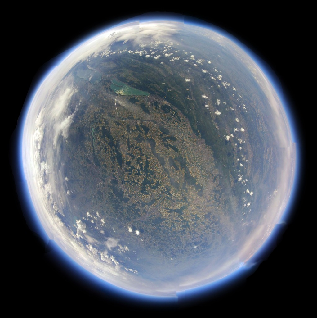 Panorama aus 30'000 m Höhe